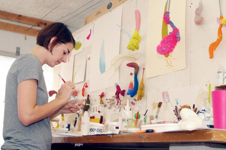 ceramics-art-student